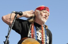 Willie Nelson to avoid jail – by performing in courthouse