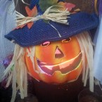 Susan's scarecrow pumpkin looks a little happy today. (via @VibrantIreland