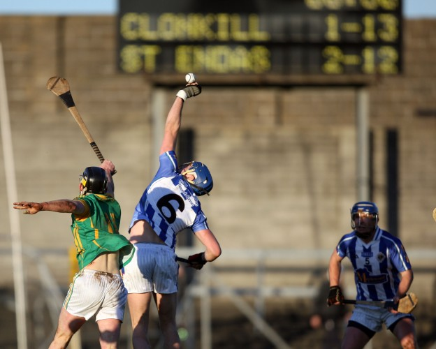 Stephen Nolan wins a high ball 6/11/2011