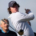After an impressive rise through the amateur ranks, McIlroy turned professional in September 2007, aged 17. The following month, he finished third at the Alfred Dunhill Links Championship to earn his full tour card.