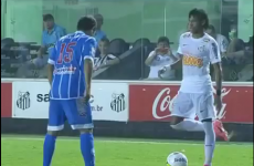 WATCH: Neymar embarrasses defender with new trick