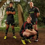 Conor Murray, Keith Earls and Paul O'Connell hang out in the woods to launch Munster's alternate kit. (©INPHO/James Crombie)