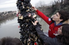 'Love locks' removed from Rome's Ponte Milvio bridge