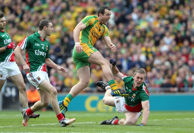 Michael Murphy scores the first goal of the game 23/9/2012