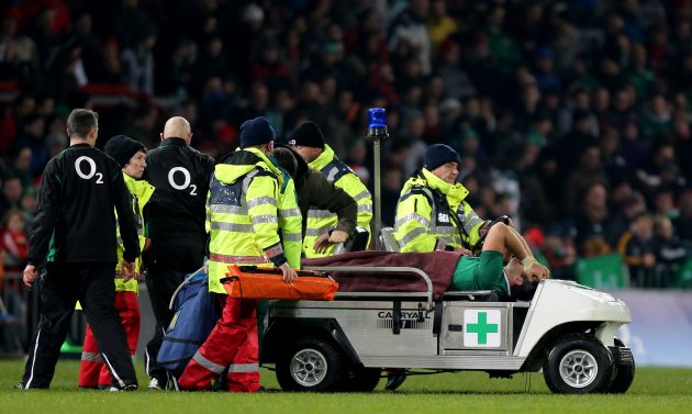 John Muldoon leaves the field injured 17/11/2012