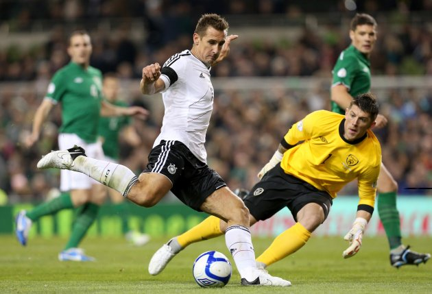 Miroslav Klose scores 12/10/2012
