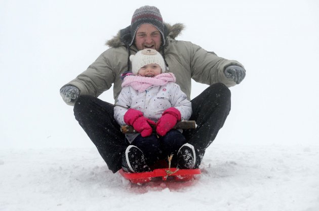 21/01/2013. Snow. Vincent Tierney and his daughter