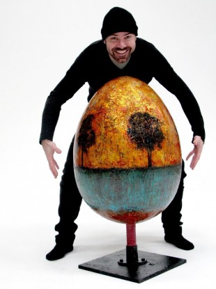 Jordi Fornies with his giant egg.