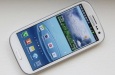 Samsung sells 100 million Galaxy S smartphones