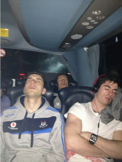 Snapshot: The Dublin lads are 'no craic' on the bus back home