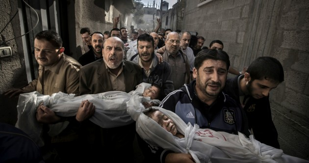 Photo of Gaza burial wins prestigious press award