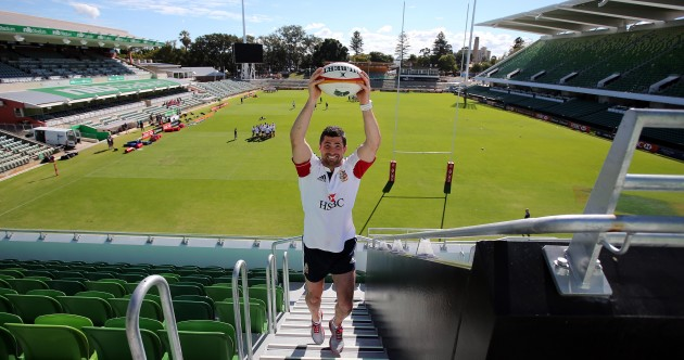 Tight hamstring but good spirits as Rob Kearney embarks on road to recovery